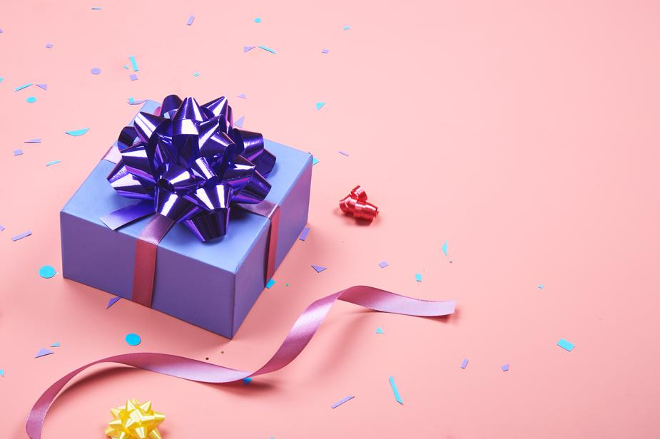 wrapped-present_925x